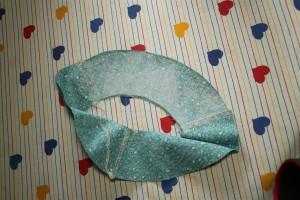 Klobouček s klapkami na uši - Budilka