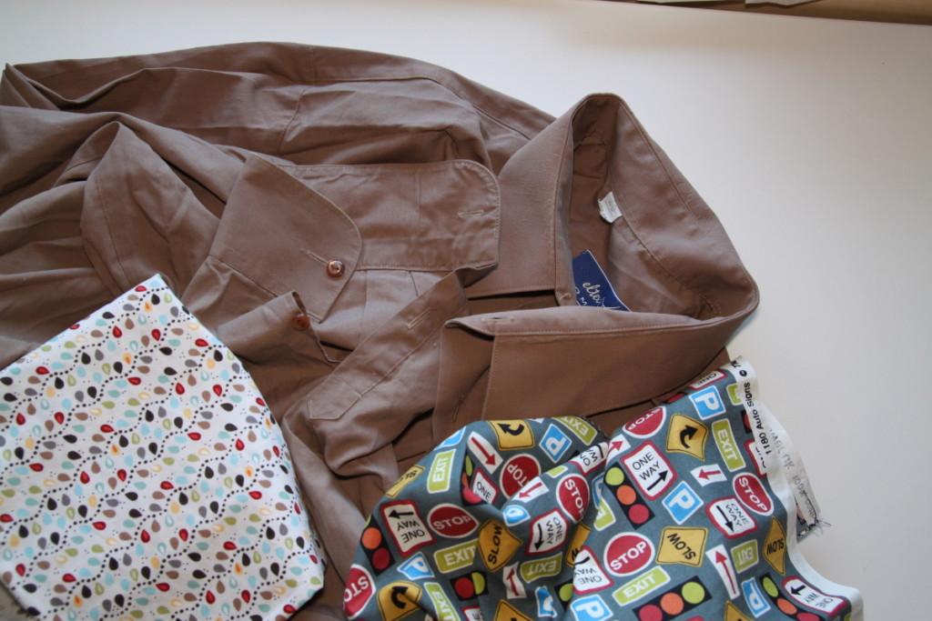 Upcyklace košile - kalhoty z košiloviny - Budilka