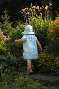 Letní šaty šatičky s kloboukem - Budilka šije