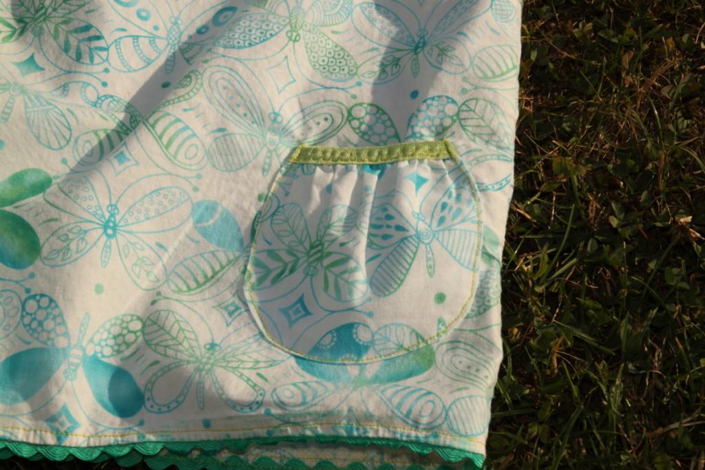 Letní šaty šatičky, detail kapsy - Budilka šije