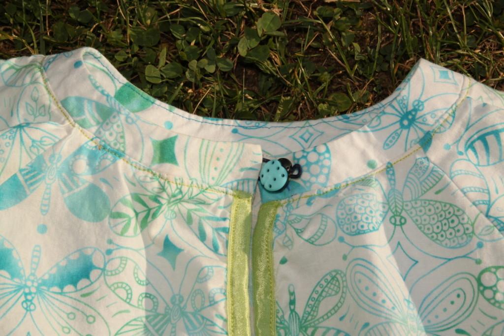 Letní šaty šatičky, detail krku - Budilka šije