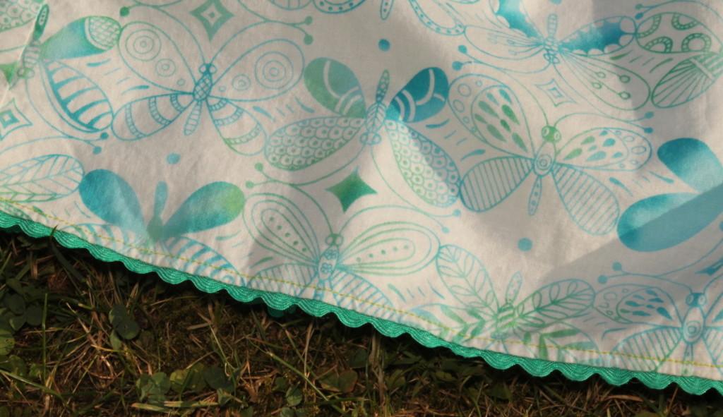 Letní šaty šatičky, detail spodního lemu - Budilka šije