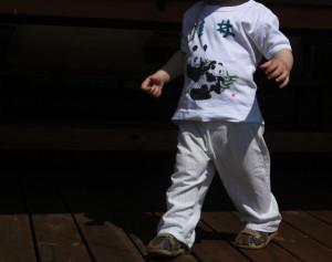 Kalhoty z vyřazené košile - Budilka šije