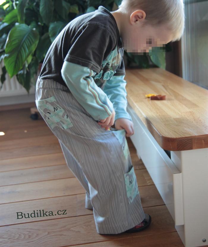 Plátěné kalhoty s kapsami - Budilka.cz