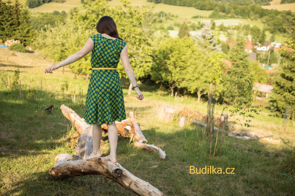 šaty ušité podle střihu Butterick - Budilka.cz