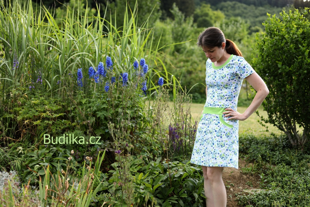 "Šaty Ottobre 2015/2 - Dress ""Optic Flowers"" - Budilka.cz"