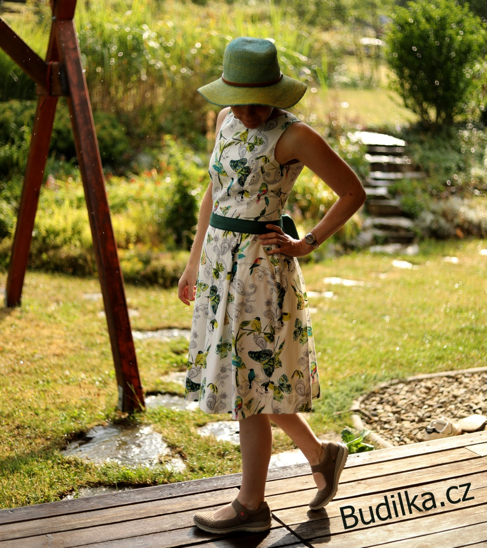 "Šaty Ottobre 2015/2 - Dress ""Fable Print"" - Budilka.cz"